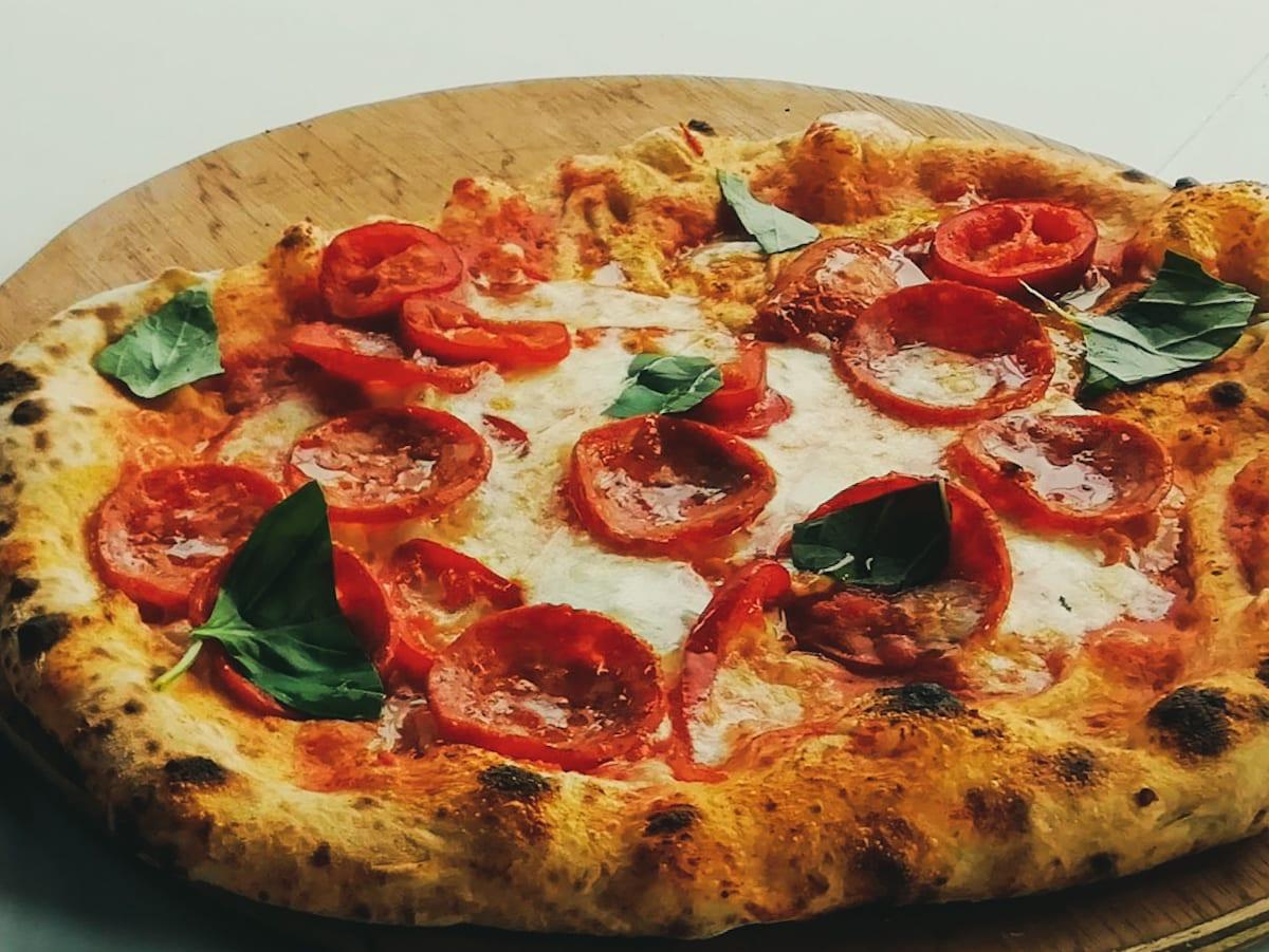 Salsiccia & Roquito Pepper Pizza